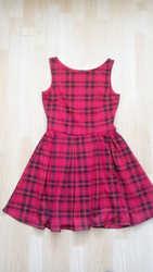 Платье без рукавов в красную клетку